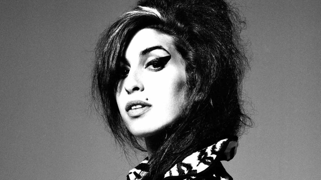 La strana morte di Amy Winehouse – Il bozzolo dell'Unione Europea – La rivolta della 12ª strada