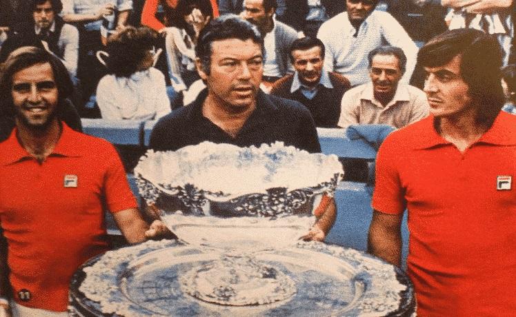 L'Italia vince la Coppa Davis – Abolita la schiavitù negli Stati Uniti – Il più antico strumento musicale