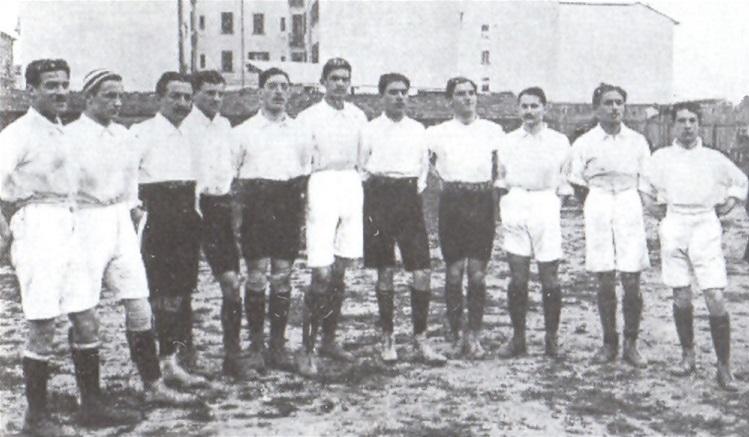 La prima partita della Nazionale – Apre al pubblico la Torre Eiffel – Nasce la Regione Siciliana