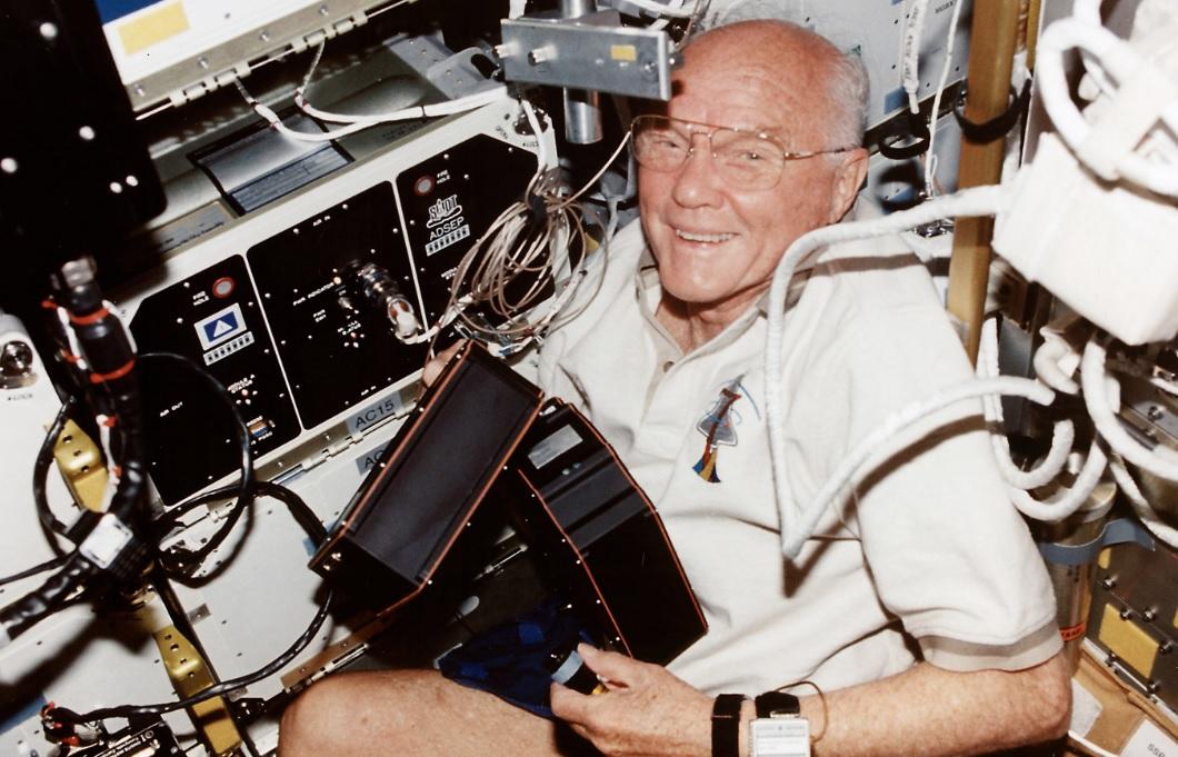 La persona più anziana nello spazio – Nasce la SIP – Scoppia la Crisi di Suez