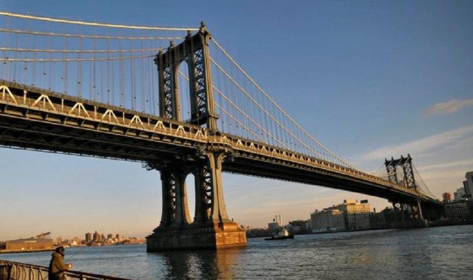 Apre il ponte di Brooklyn