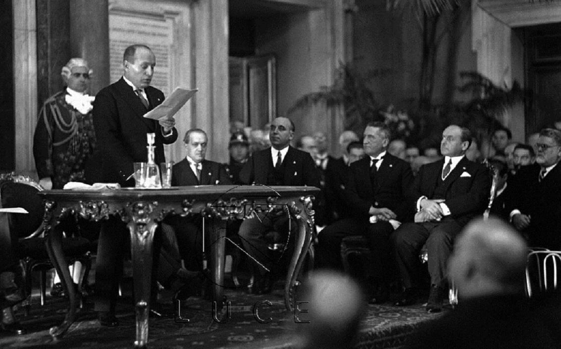 La svolta dittatoriale di Mussolini – La scomunica di Martin Lutero – L'invenzione della cannuccia