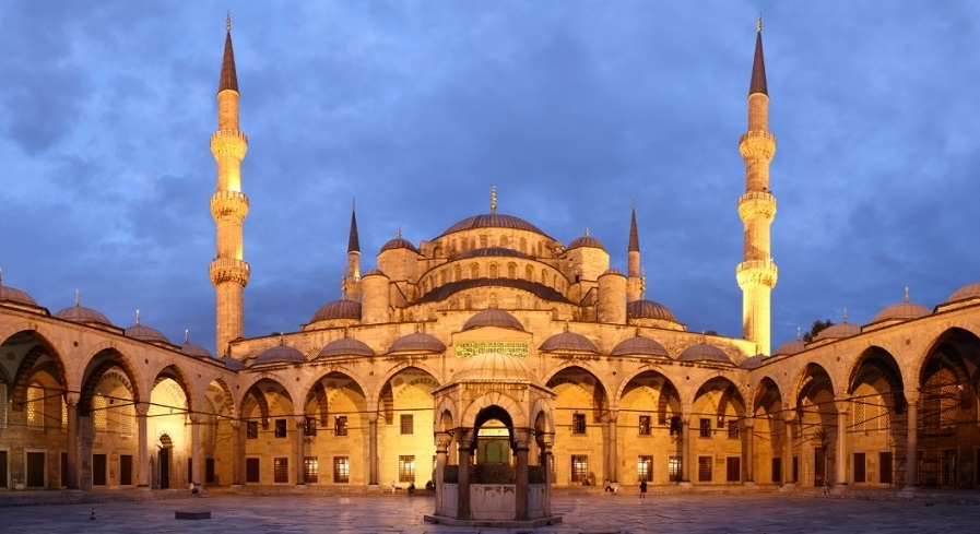 La strage della Moschea Blu – Il grande freddo del 700 – L'ultimo Blockbuster
