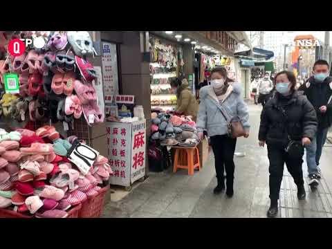 Un anno fa il lockdown, Wuhan in festa ma resta paura