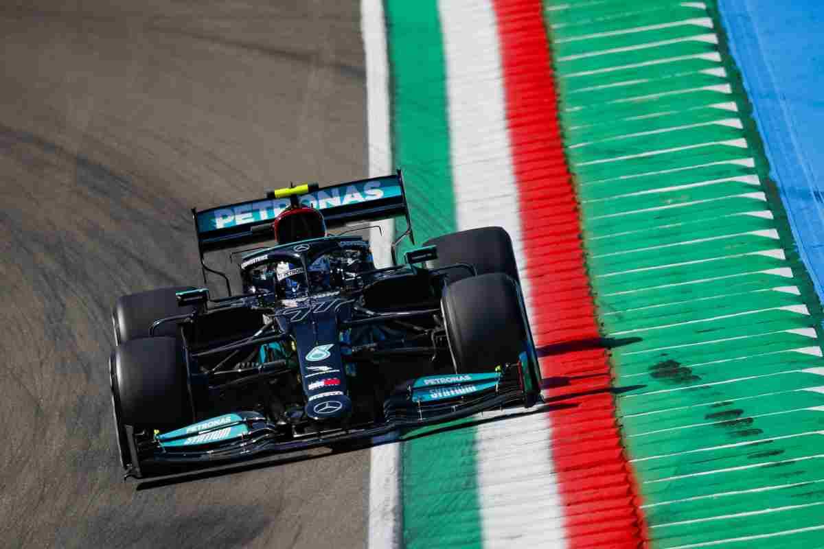 Bottas il più veloce nel venerdì di libere a Imola