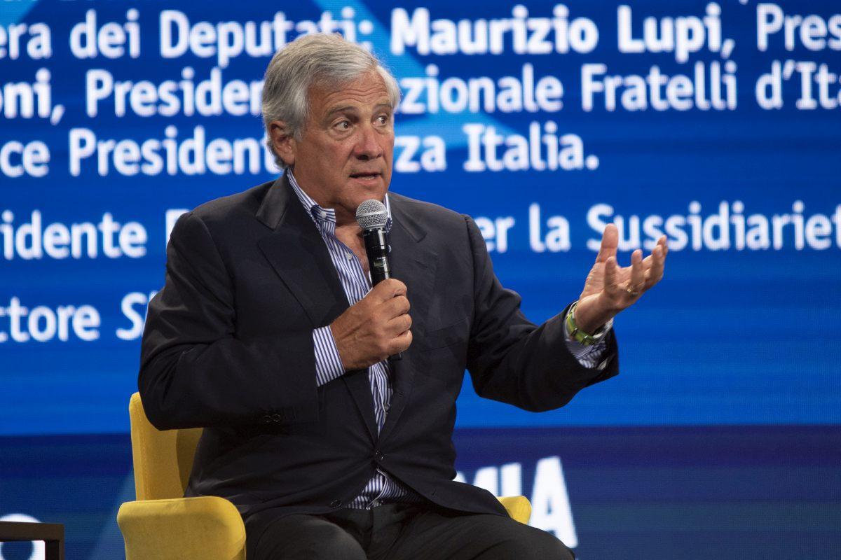 """Recovery, Tajani """"Giusto mantenere il tetto del 40% per il Sud"""""""