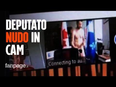 Dimentica la webcam accesa, deputato apparso completamente nudo in videoconferenza