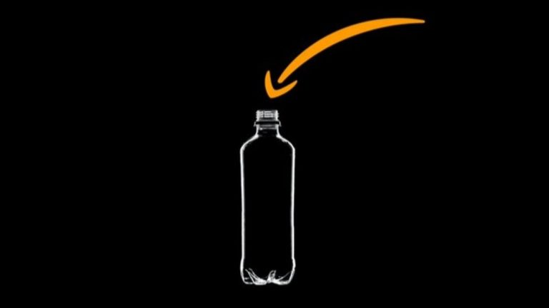 Amazon: a volte i nostri autisti costretti a fare pipì nelle bottiglie