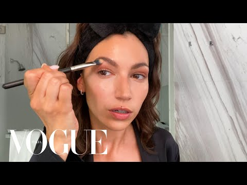 Úrsula Corberó de 'La Casa di Carta' svela la sua beauty routine | Beauty Secrets | Vogue Italia